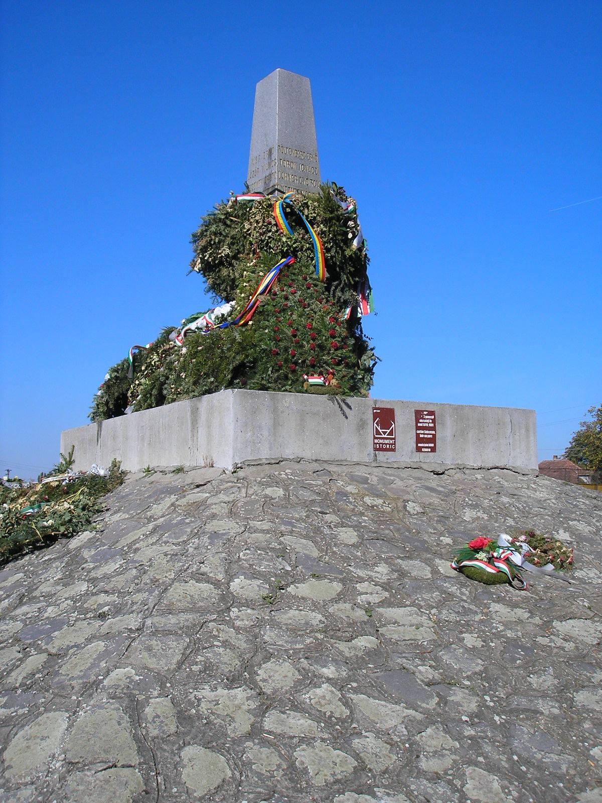Arad, vértanúk emlékműve