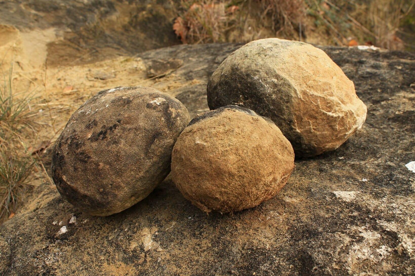 Bárna, Szer-kő