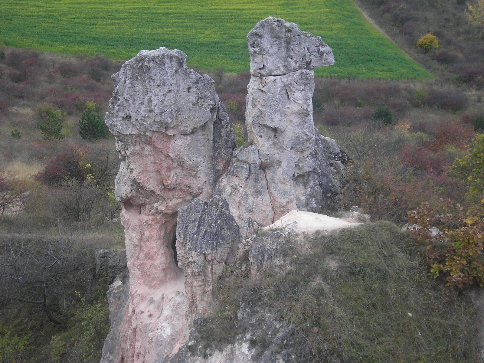 Pilisborosjenő, Teve-szikla