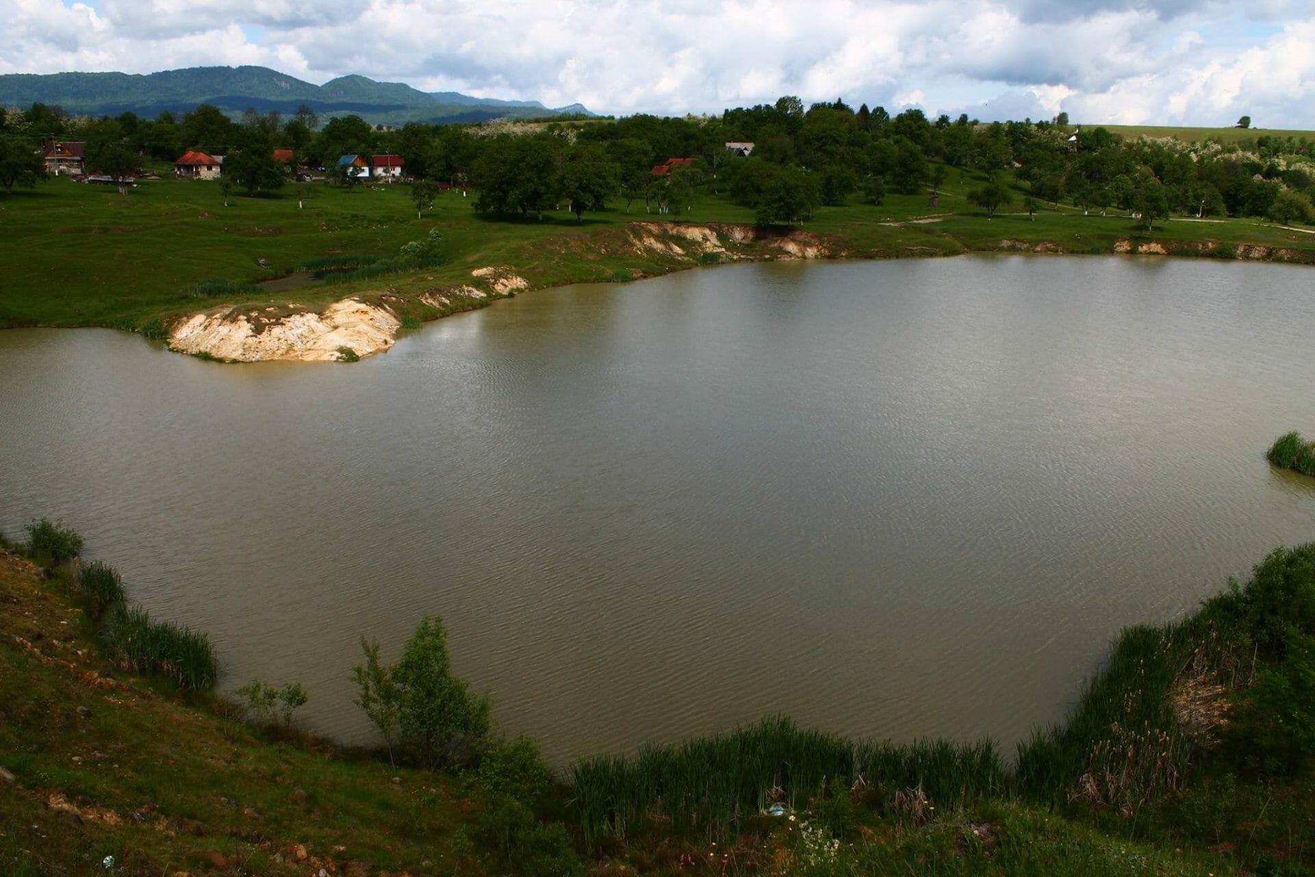 Aknasugatag, sós tavak (Erdély)