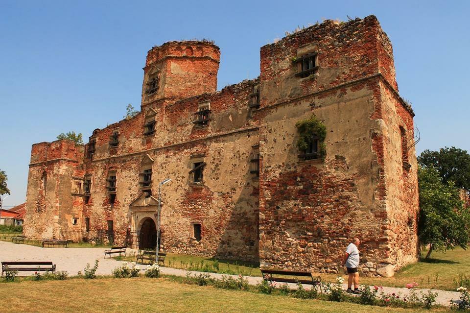 Aranyosmeggyes, Lónyay-várkastély (Erdély)