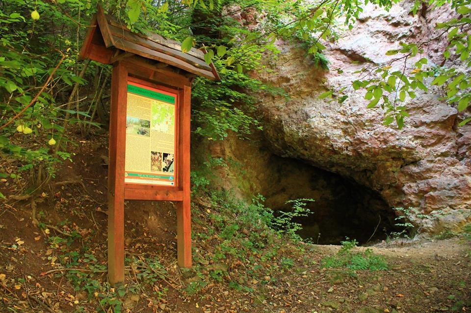 Mátraszőlős, Függő-kői-barlang