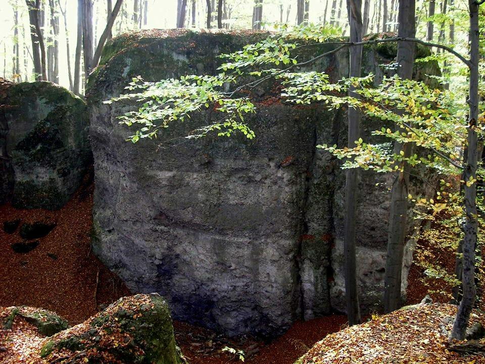 Dobogókő, Zsivány-sziklák