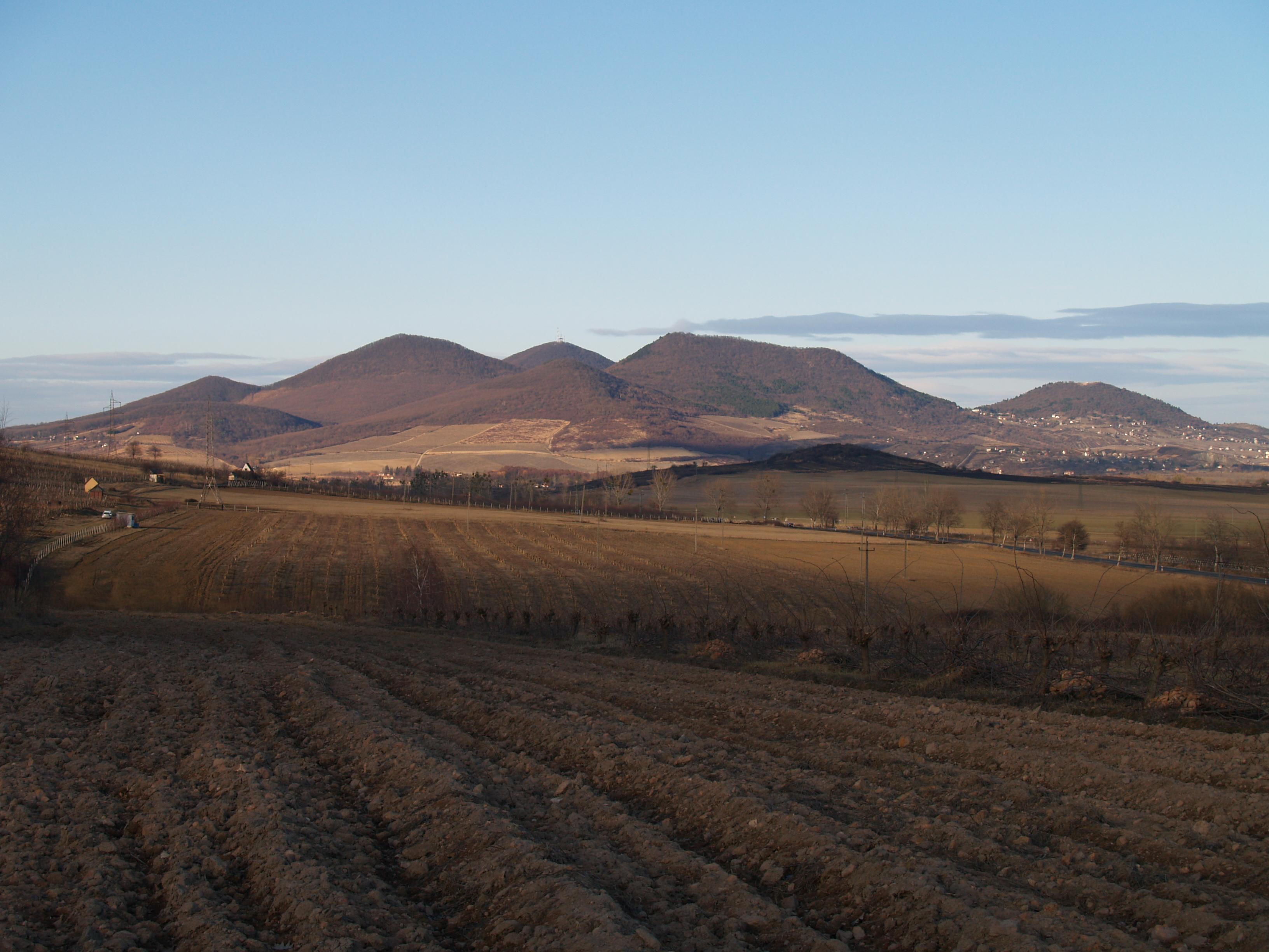 A Sátoros-hegyek: rétegvulkán vagy szubvulkán?